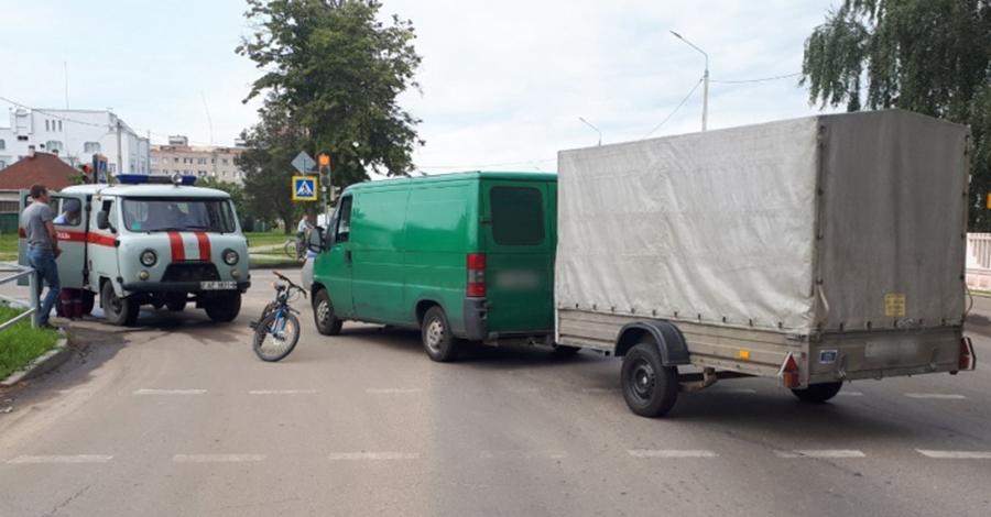 Ребенок на велосипеде попал под колеса «Пежо» в Осиповичах