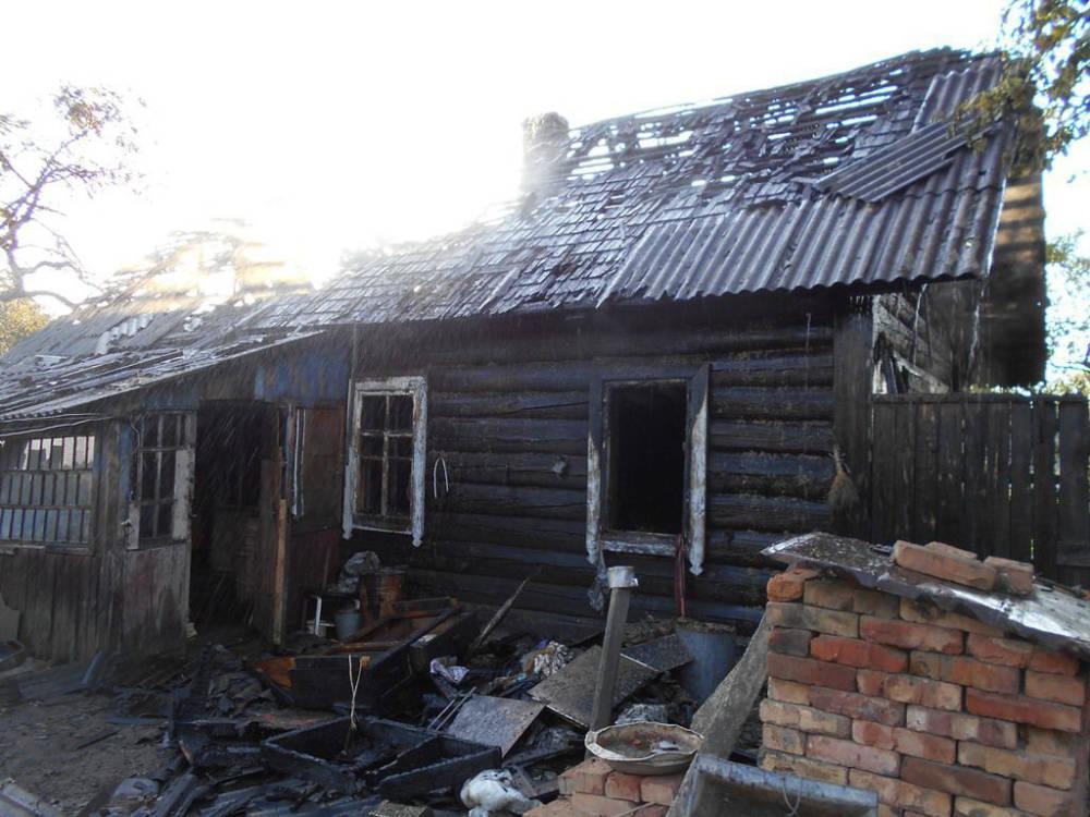Двойная трагедия: горел дом с гробом и покойником в Бобруйском районе
