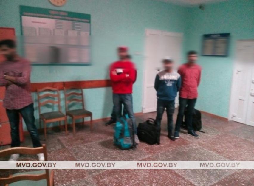 В Чаусах задержали группу индийцев, пытавшихся нелегально попасть в Евросоюз