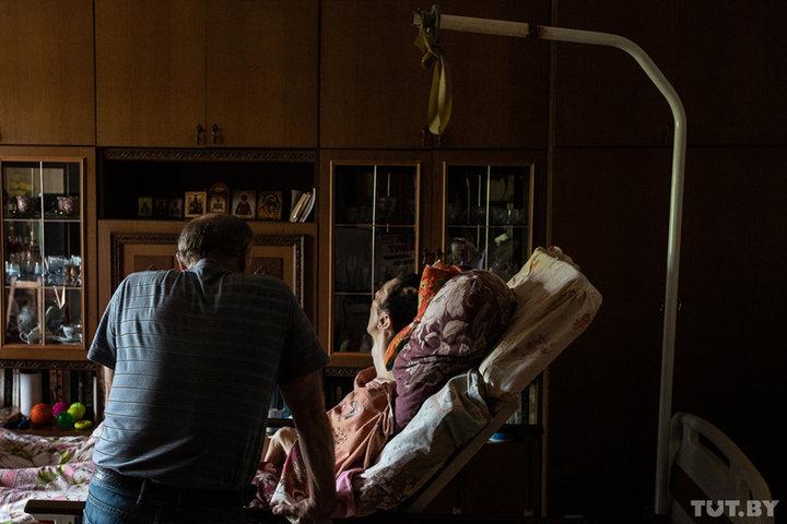 Он выжил несмотря ни на что! Триатлет Саша из Могилева после ОЧМТ лежит уже 1,5 года