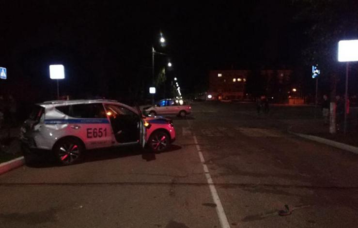 В Осиповичах Volkswagen врезался в милицейскую машину. МВД опубликовало видео аварии