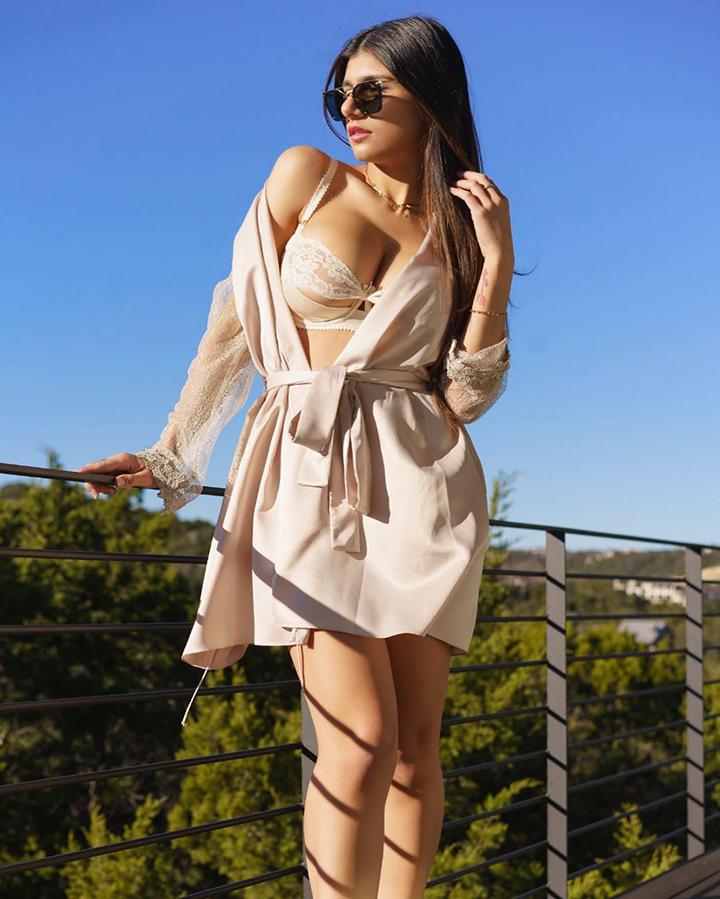 Mia Khalifa, экс-звезда фильмов для взрослых, призналась, сколько ей удалось заработать за всю карьеру в сфере порноиндустрии