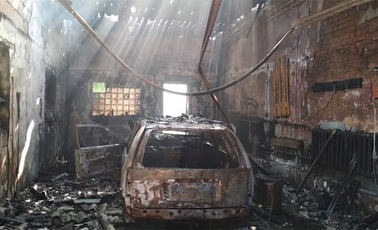 Подробности пожара, произошедшего на СТО в Чаусах