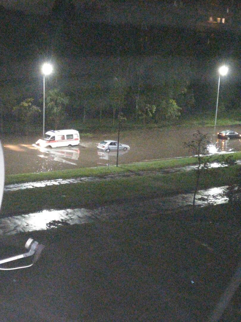 Улицы Могилева снова превратились в реки, а в квартирах потоп