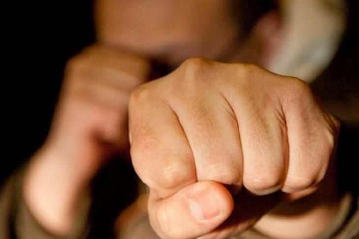 В Могилеве сын пытался перевоспитать мать и пустил в ход кулаки