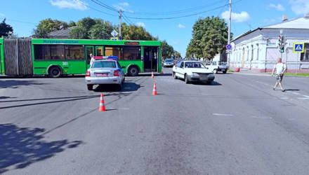 ДТП в Бобруйске: автобус столкнулся с «Ауди»