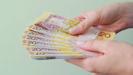 В Беларуси уменьшилось количество предприятий с зарплатой ниже Br400