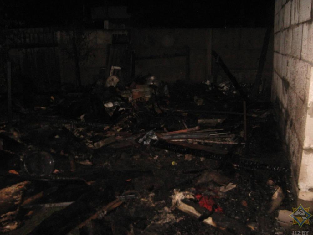 В Осиповичском районе горела хозпостройка