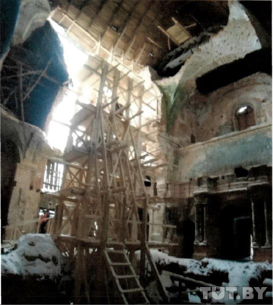 В Мстиславле снова обрушилась стена 268-летнего костела. Какая судьба ждет памятник архитектуры?