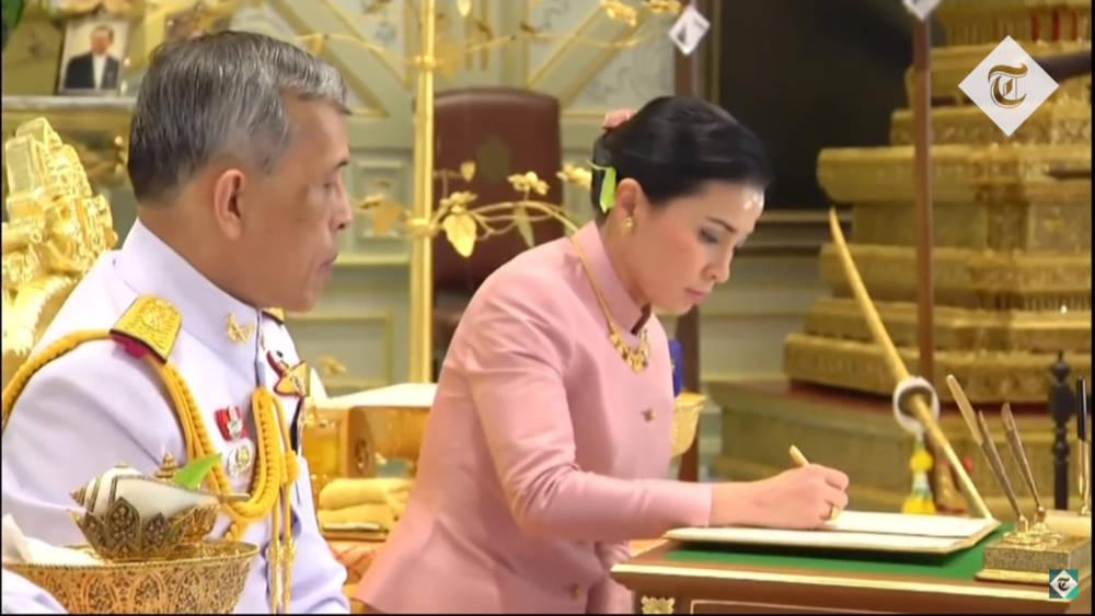От любовницы до королевы: женатый король Тайланда сделал свою любовницу второй женой, и тем самым официально признал двоеженство в монархической стране