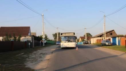 В Могилёве пассажирка упала под колеса автобуса и через 2 дня умерла в больнице от полученных травм. Ищут очевидцев ДТП