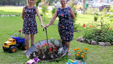 Могилевчане облагораживают свои дворы, детские площадки, подъезды, дома и делают это с любовью, выдумкой и за свои средства