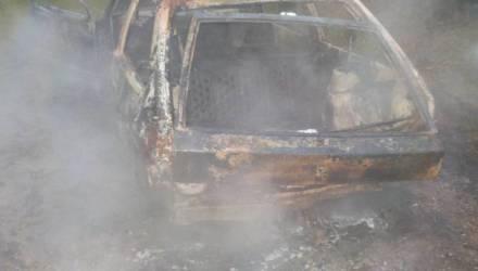 В Бобруйском районе горел автомобиль. Остался только кузов