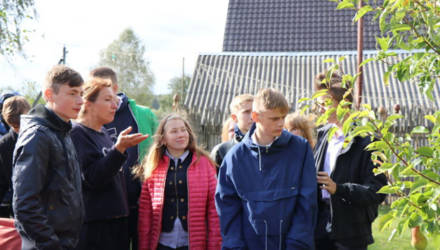 Воспитанники Мстиславской школы-интерната для детей с тяжёлыми нарушениями речи посетили агроусадьбу «Духмяны сад»