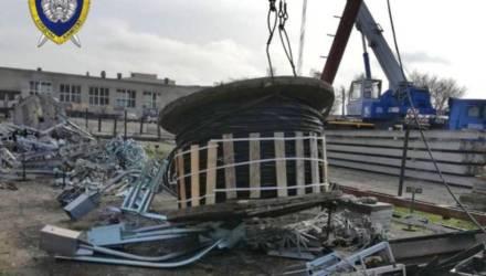 ЧП в Гродно: бобина весом в 1 тонну сорвалась с автокрана и упала на рабочего. Он погиб