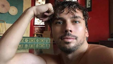 «Любимая»: Галкин показал фото Пугачёвой в купальнике