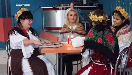 """В Горках прошёл фестиваль творчества """"Поверь в себя"""" среди людей с инвалидностью"""