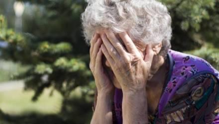 «Сказали, что выиграли». Пенсионерка из Могилёвской области на презентации взяла кредит на 3600 рублей на постельное и пылесос