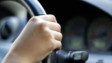 В Кличевском районе пьяный мужчина угнал у приятеля авто, а попав в ДТП, бросил машину и пошёл пешком