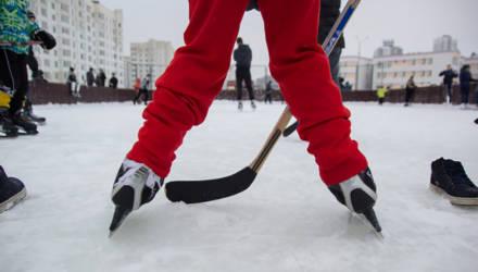 В Могилёве ставят ещё одну стационарную хоккейную коробку. Как думаете, получится её заиграть?