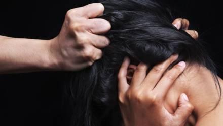 В Могилёве парень избил девушку за нежелание познакомиться
