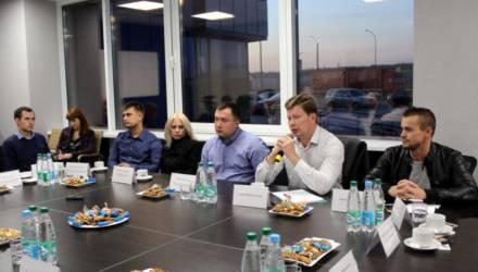 Экологические активисты Могилёва и «Омск Карбон Могилёв» договорились о регулярных встречах на независимых площадках (фото)