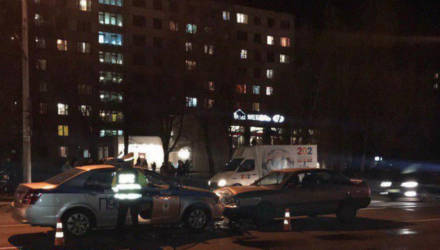 В Могилёве автомобиль ГАИ преградил движение пьяному водителю перед пешеходным переходом