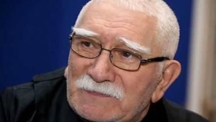 Армен Джигарханян госпитализирован в крайне тяжёлом состоянии