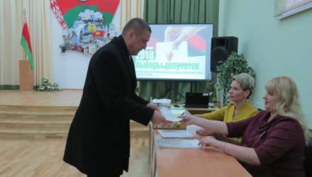 Проголосовал досрочно: губернатор Могилёвской области сделал свой выбор