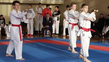 Мужская команда Могилёвского госуниверситета заняла второе место на республиканской универсиаде по каратэ