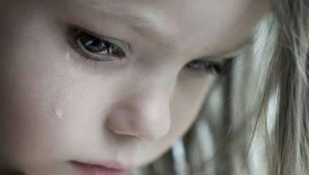 «Начал раздевать, возбудился»: Отец насиловал свою 3-летнюю дочку и снимал это на видео