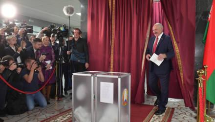 Президент сегодня после голосования ответил на вопросы журналистов