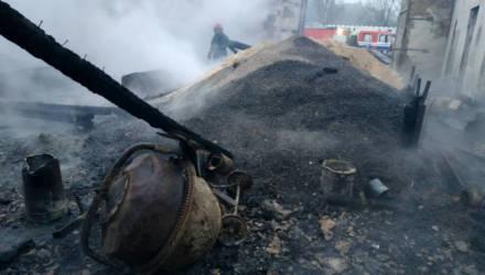 В Могилёвском районе ликвидировали пожар в производственном здании