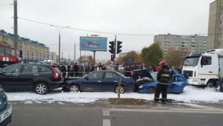 Снова паровозик: в Бресте столкнулись пять автомобилей