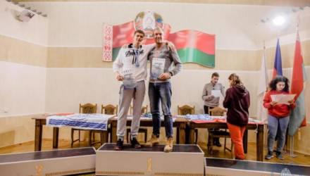 Спасатель из Могилёва завоевал восемь медалей на Кубке мира по спортивному зимнему плаванию