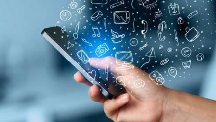 Бобруйский одиннадцатиклассник разработал мобильное приложение для родителей