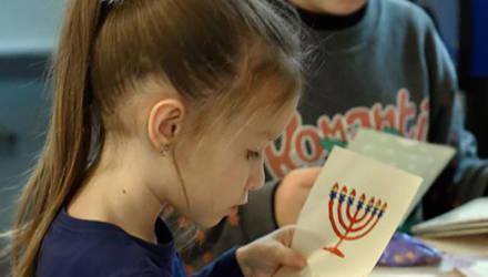 Могилёвские евреи празднуют Хануку