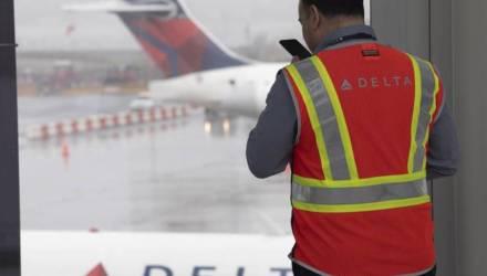 Под Лос-Анджелесом из-за сброса топлива самолетом пострадали более 40 человек