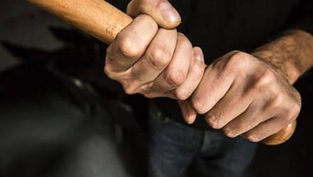 Проломленный череп и строгий приговор суда – итог ссоры между соседями в Бобруйске. Они просто не поделили тропинку