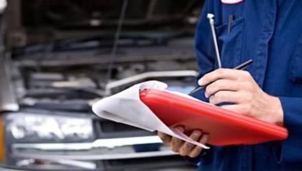 Правила прохождения ТО изменились: какие документы водитель должен возить с собой