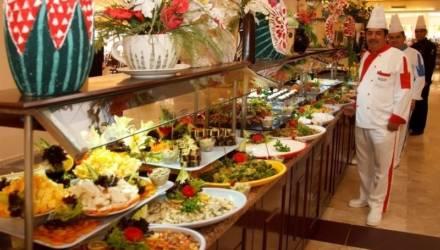 Рестораны в отелях Турции обязали указывать состав блюд, калорийность и наличие аллергенов