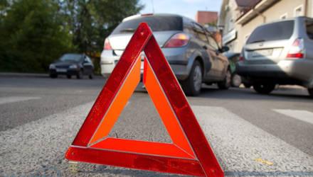 «Мазда» в Могилёве столкнулась с остановившимся впереди автомобилем, пассажир в больнице