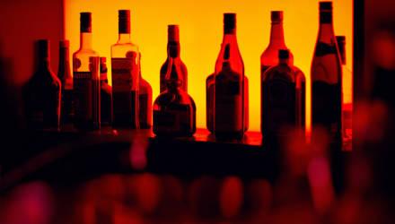 Власти повысили предельные минимальные цены на крепкий алкоголь и вина