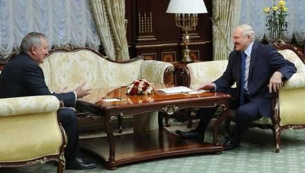 Глава «Роскосмоса» Рогозин привез Лукашенко подарок из космоса