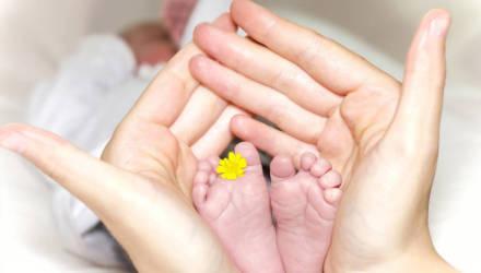 Зачем новорождённых кладут маме на живот? Разговор с врачом-неонатологом