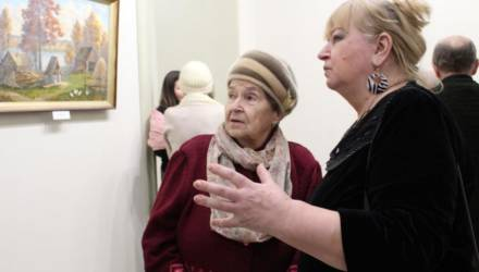 Выставка работ могилевчанина Владислава Малахова открылась в музее Масленикова Могилёва (фото)
