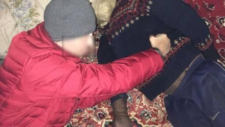 Судят бобруйчанина, который угрожал соцработнику ножом и избил сожительницу