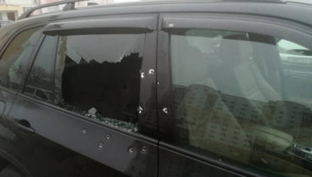Житель Калинковичей стрелял из обреза в авто на стоянке