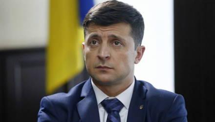 Рейтинг Зеленского упал почти вдвое