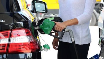 С 16 февраля снова дорожает автомобильное топливо
